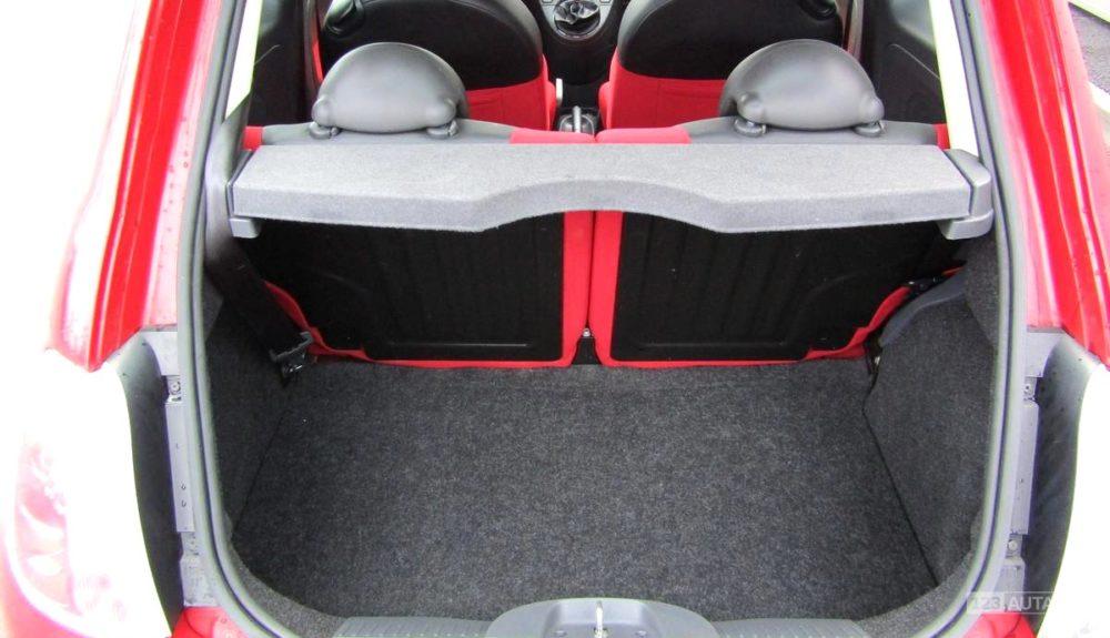 Fiat 500 zavazadlový prostor