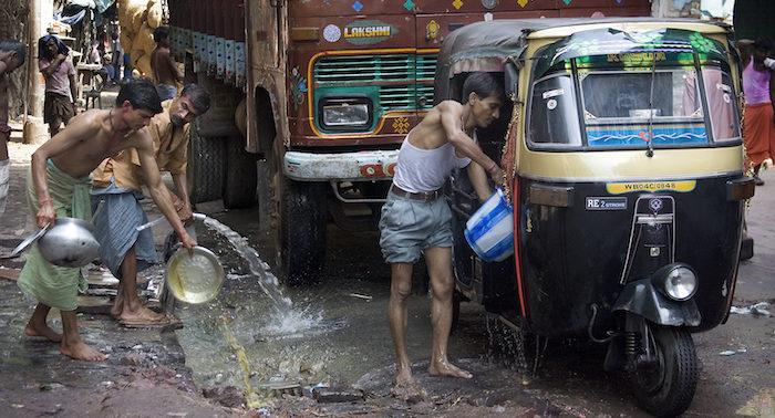 Mytí na ulici je v ČR zakázáno