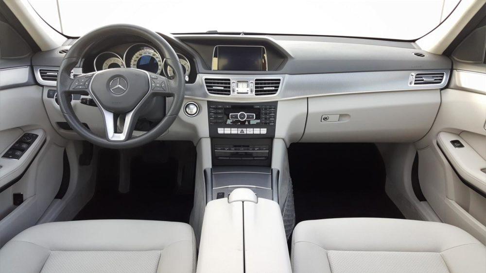 Mercedes-Benz W212 facelift interiér