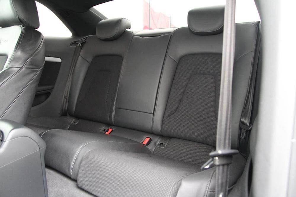 Audi A5 zadní sedadla