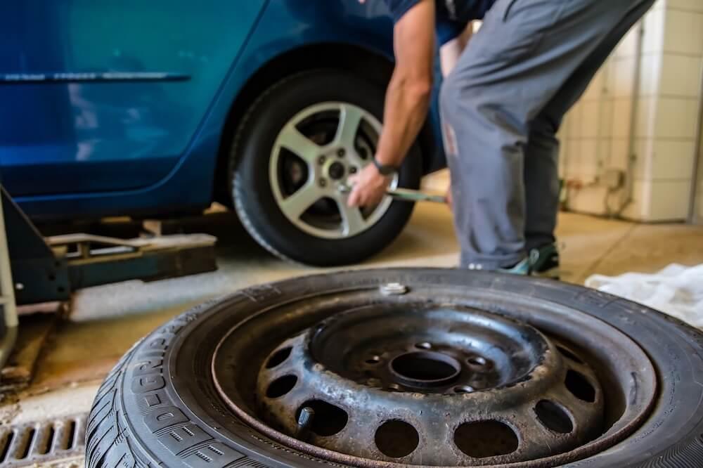 Jak ušetřit na zimních pneumatikách